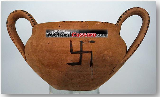 Swastika-on-Minoan-Pottery-Crete