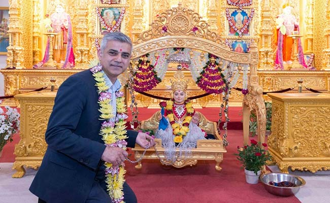 london-mayor-at-temple_650x400_61463216059
