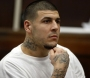 """Aaron Hernandez ha scritto col sangue """"ILLUMINATI"""" nella sua cella prima disuicidarsi"""