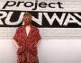 """Un concorrente di """"Project Runway"""" del 2019 chiamato Kovid presenta un vestito con una mascherina comeaccessorio"""