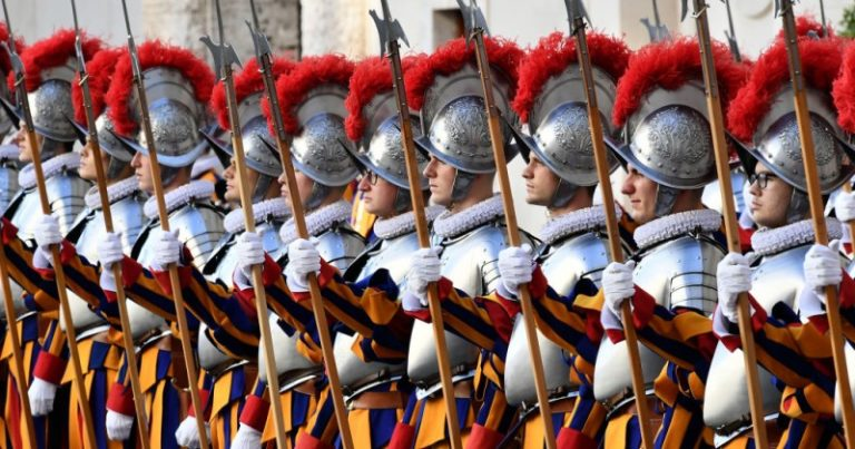 041021guards1-768x403-1